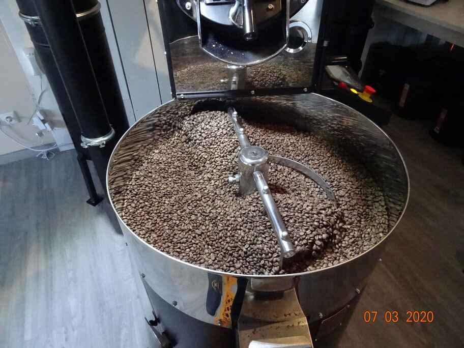 Topper Kaffee in der Trommel
